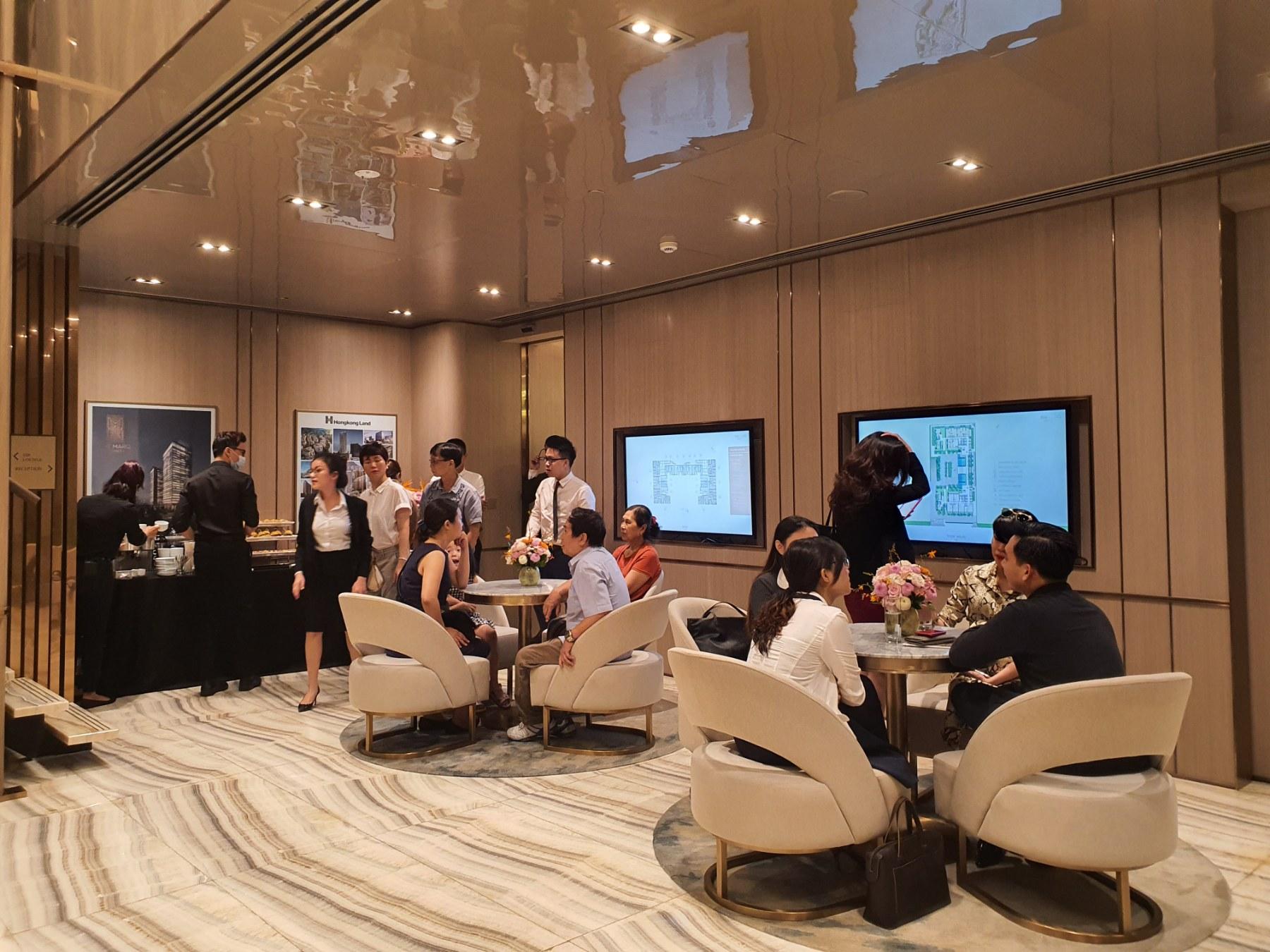 Khách hàng tham gia sự kiện nhà mẫu the marq quận 1