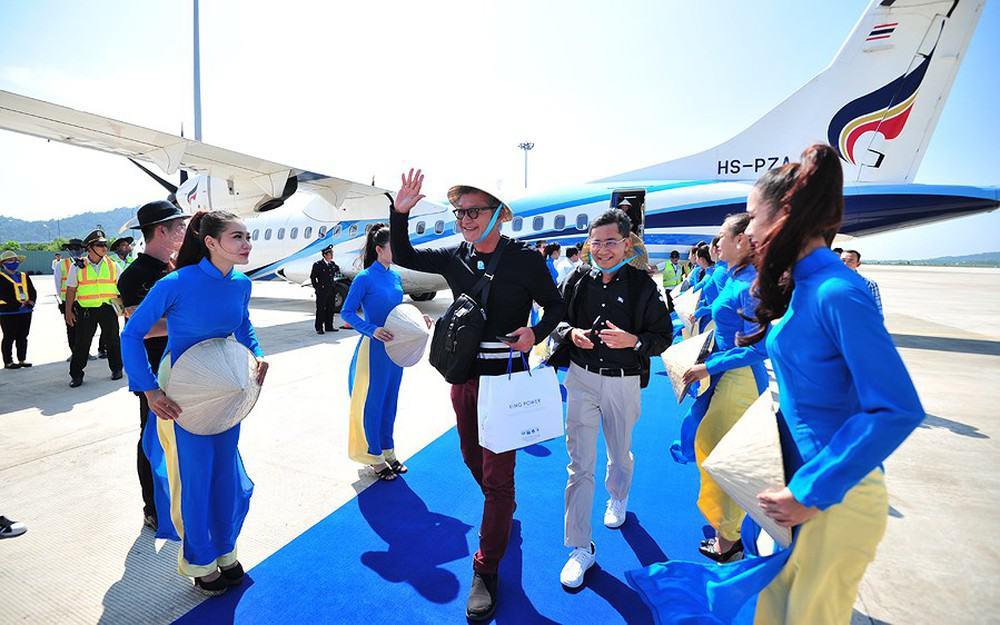 du khách quốc tế tại sân bay phú quốc