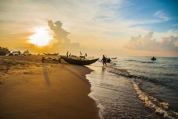 Bình minh trên biển Hồ Tràm